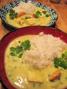 Photo of Thai coconut soup with sweet potatoes and tofu; sticky rice